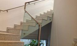 Corrimão em vidro temperado