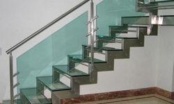 Escada inox com vidro