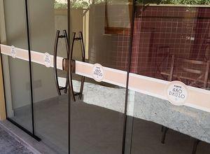 faixa de segurança porta de vidro