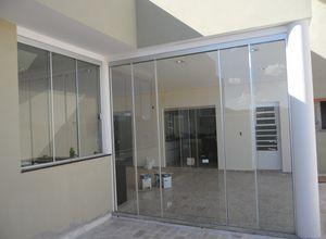 portas é janelas de vidro