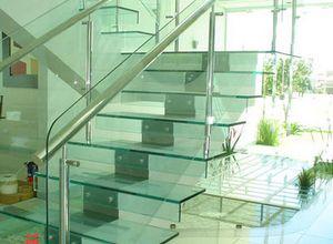 escada com vidro e inox