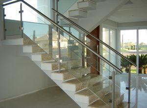 escadas de vidro é inox