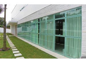 fachada de vidro temperado