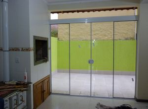 fechamento em vidro temperado