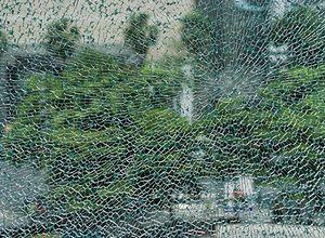 vidro temperado quebrado